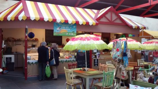 Cardigan, UK: Colourful facilities