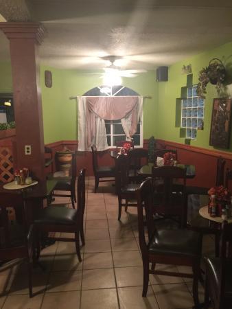 Belmopan, Belice: dining