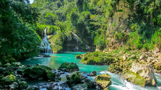 Lanquin, Guatemala : beautiful little water fall