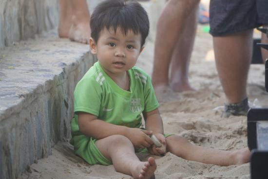 Phan Thiet, Wietnam: Το αγαπημενο παιδι ολων