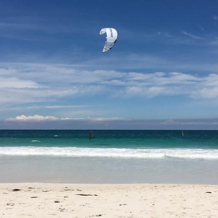 Mullaloo, Australia: Nearest Beach - across the Road