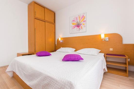 Hotel Zlatna Ribica: Double room