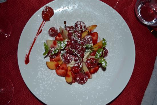 farandole de fruits frais - Photo de Le Monde des Saveurs, Le Mesnil-Saint-Denis - Tripadvisor