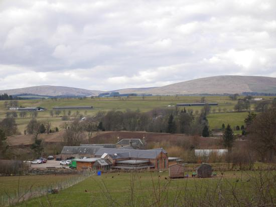 Penicuik, UK: Setting in Borders countryside