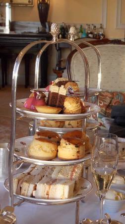 Colerne, UK: Afternoon Tea