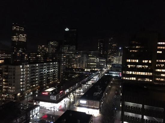 Urban Residences Rotterdam: 窗外夜景