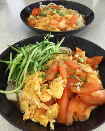 Monterey Park, CA: tomato egg thick noodles