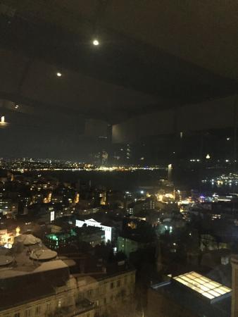Ponte Restaurant & Pre-Club: İstanbul manzaralı Türk yemekleri