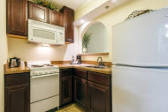 Fargo Inn & Suites: Kitchenette Suite
