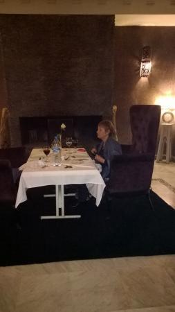 Riad Dar Anika: il tavolo al ristorante