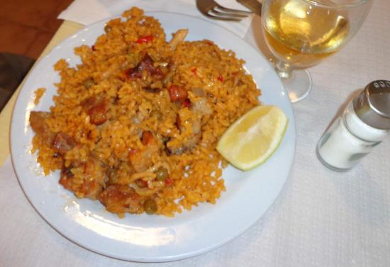 Nuevalos, Hiszpania: ¿paella aragonesa? ¿arroz? ???????