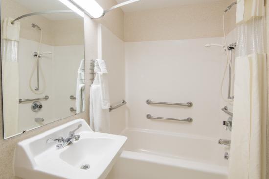 Wooster, OH: ADA Bath