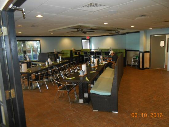 North Fort Myers, FL: dine area