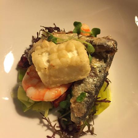 filet de sardine fondue de poireaux au yuzu et tempura de. Black Bedroom Furniture Sets. Home Design Ideas