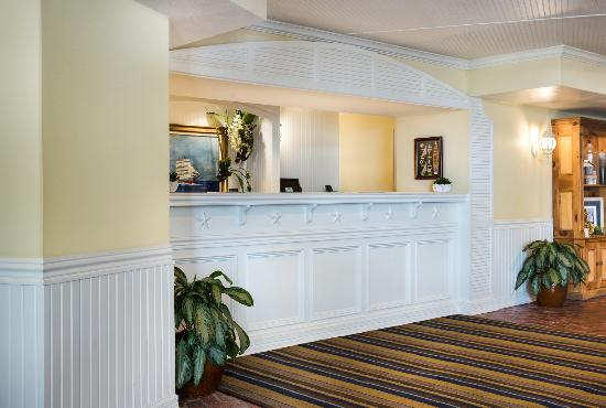 Boardwalk Inn: Front Desk