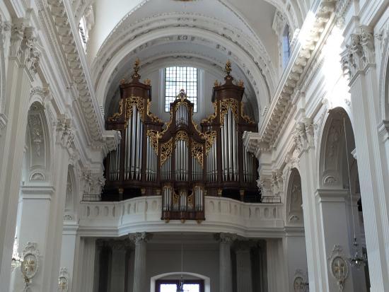 Solothurn, Suiza: Church Organ