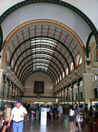 Central Post Office: Look At The Arched Ceiling   High And Amazing