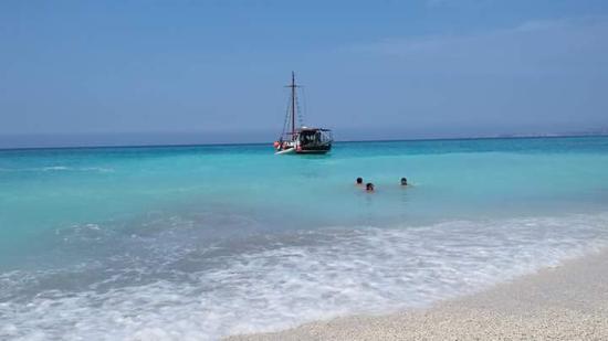 Argostolion, Grækenland: QUEENBEE BOAT TRIPS