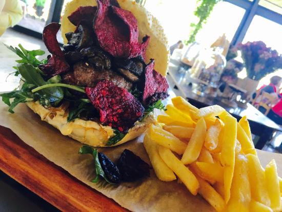 "Centurion, Sudafrica: ""Forest Floor"" Hand Pressed Craft Burger - pure beef patty, sautéed mushrooms, beetroot crisps w"
