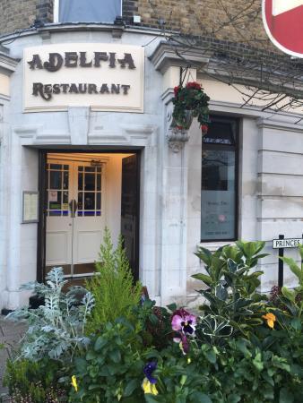 Buckhurst Hill, UK: Adelfia
