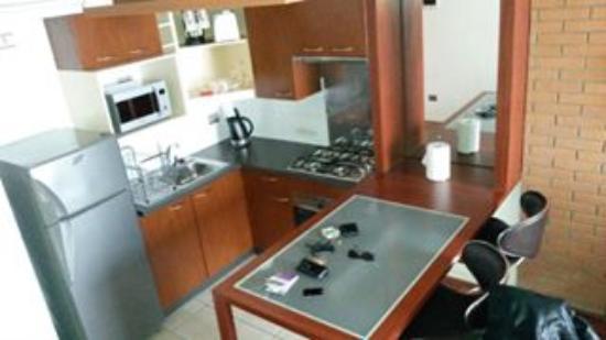 Park Plaza Apart Hotel: cocina comedor. muy bien equipada, pero no servicio de desayuno