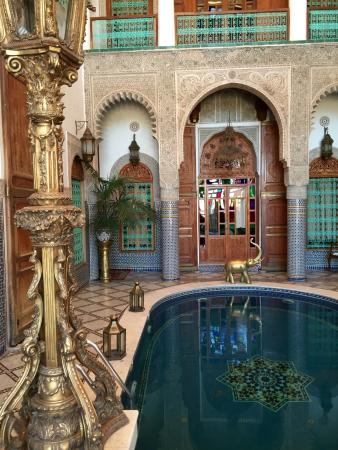Riad Arabesque: Pool