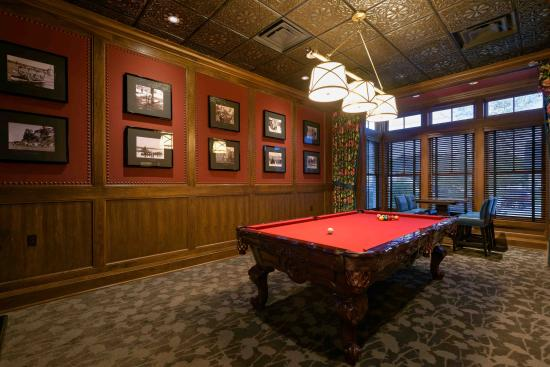 Walloon Lake, MI: Billiards Room