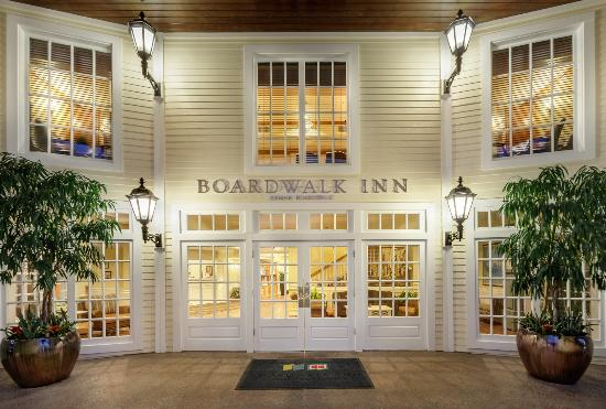 Boardwalk Inn: Entrance