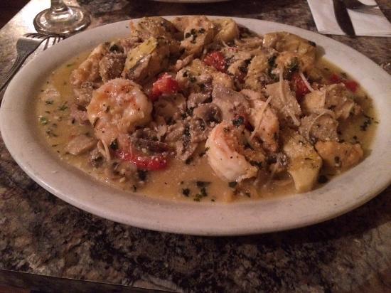 Johnny Macaronis Restaurant: Sister Stephanie