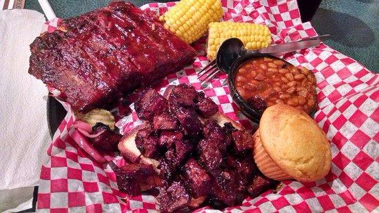 Famous Dave's: Burnt Ends-N-Rib