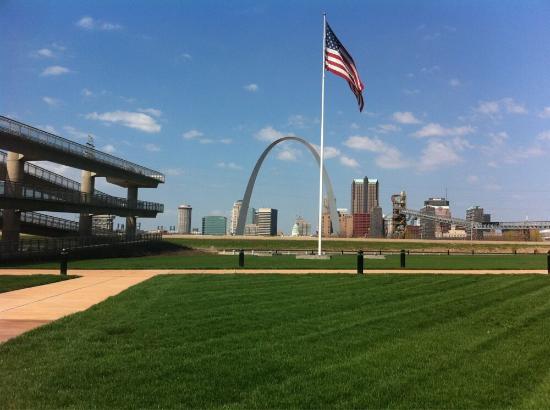 East Saint Louis, IL: .