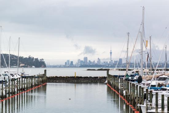 Waitakere City, New Zealand: Overlooking the harbour