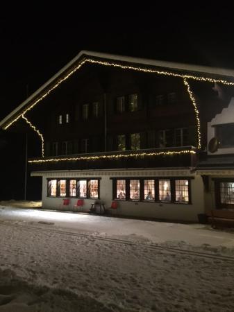 Lenk im Simmental, Sveits: Wunderschön
