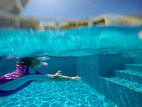 New Plymouth, Nowa Zelandia: Exploring the clear waters of the pool :)
