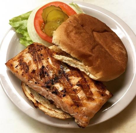 ชัลเมต, หลุยเซียน่า: Salmon Sandwich
