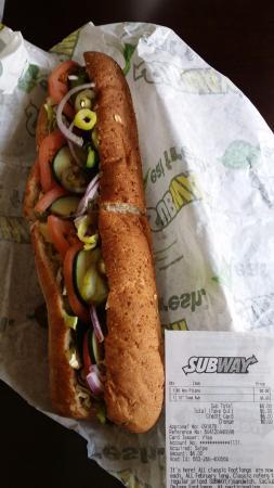 Milpitas, Kaliforniya: tuna, oat honey bread, chipotle sauce sandwich: 그저 6불