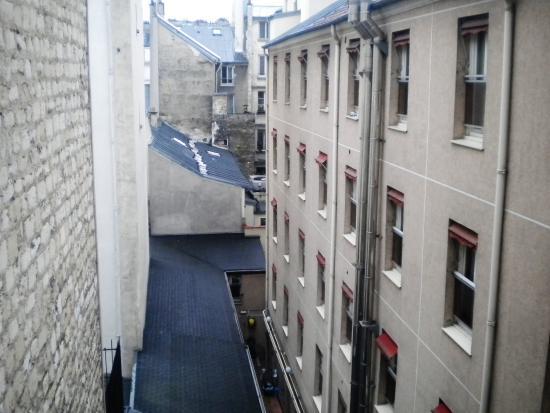 Auberge International des Jeunes : Vista do nosso quarto