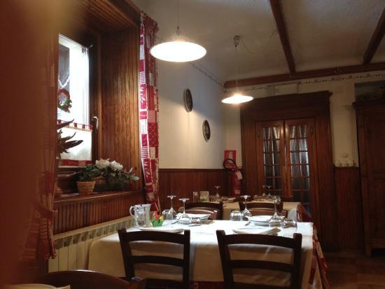 Camera Da Letto Nel Soppalco : La camera da letto nel soppalco picture of albergo ristorante