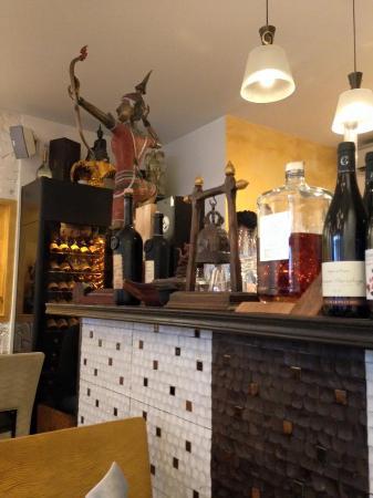 Levallois-Perret, Francia: Cave à vin