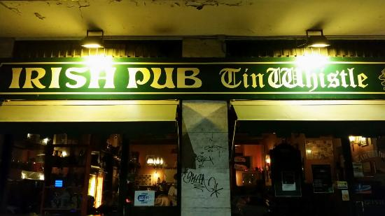Tin Whistle Irish Pub