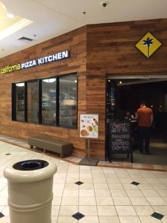 Wellington, FL: California Pizza Kitchen