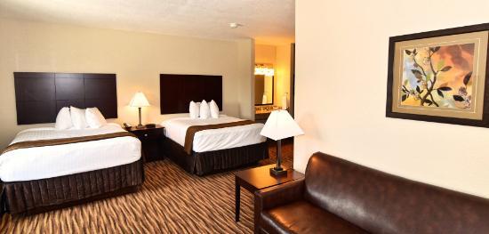 Boulders Inn & Suites Clarion