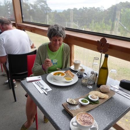 Lunawanna, Australia: The coffee was great, the dips were great and the seafood chowder was terrific too I was told!
