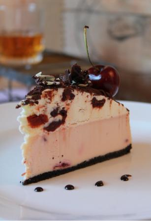 Sherwood Park, Kanada: Cherry Whiskey Cheesecake