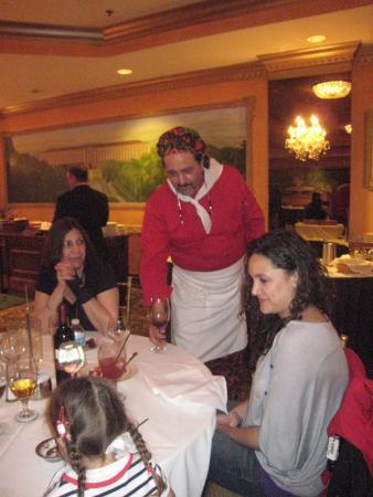 La Reggia Restaurant and Banquets: siamo orgogliosi di preparare tutte le nostre pietanze con prodotti italiani, buon pranzo