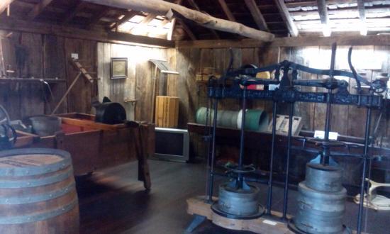 Bega, Avustralya: Old cheese factory display.