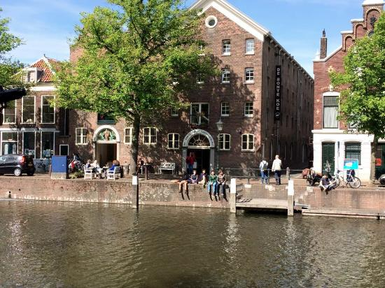 Schiedam, Países Bajos: Outside of the shop