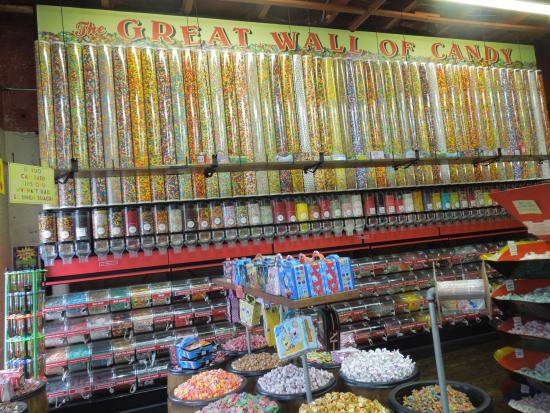 The Great Wall of Candy - Picture of Savannah Candy Kitchen ...