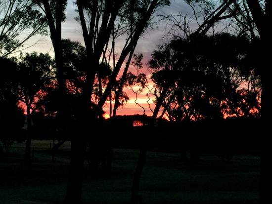 Kingscote, Australia: Sunsets in January are gorgeous.