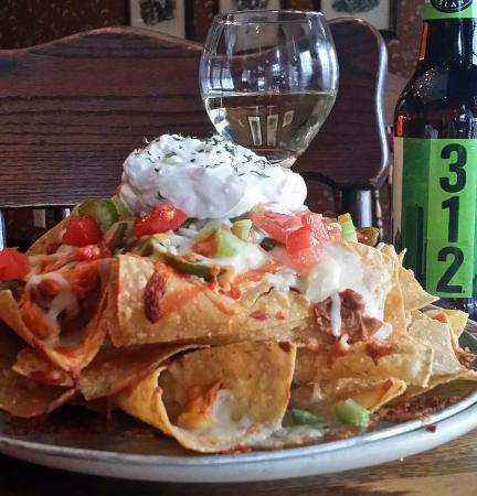 Fergus Falls, MN: Buffalo Chicken Nachos and Riesling